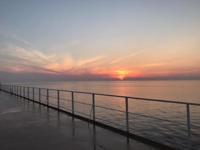津軽海峡日の出