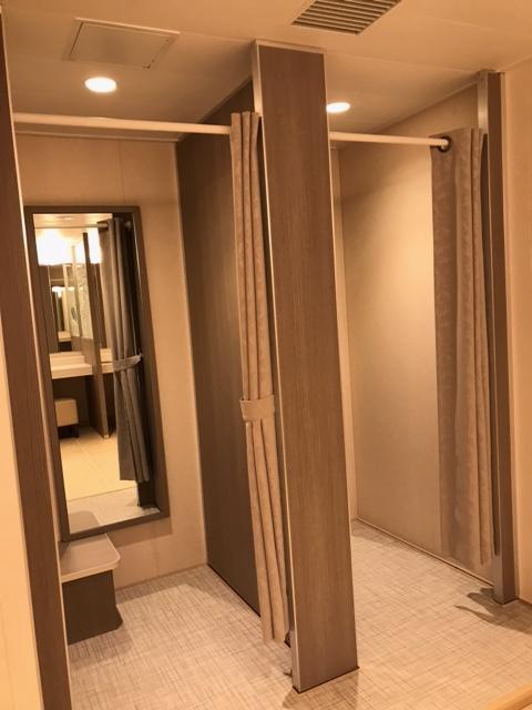 トイレの化粧室