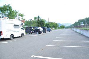 かなやま湖駐車場