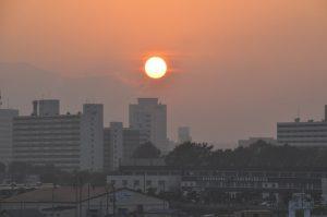 街に沈む夕日1