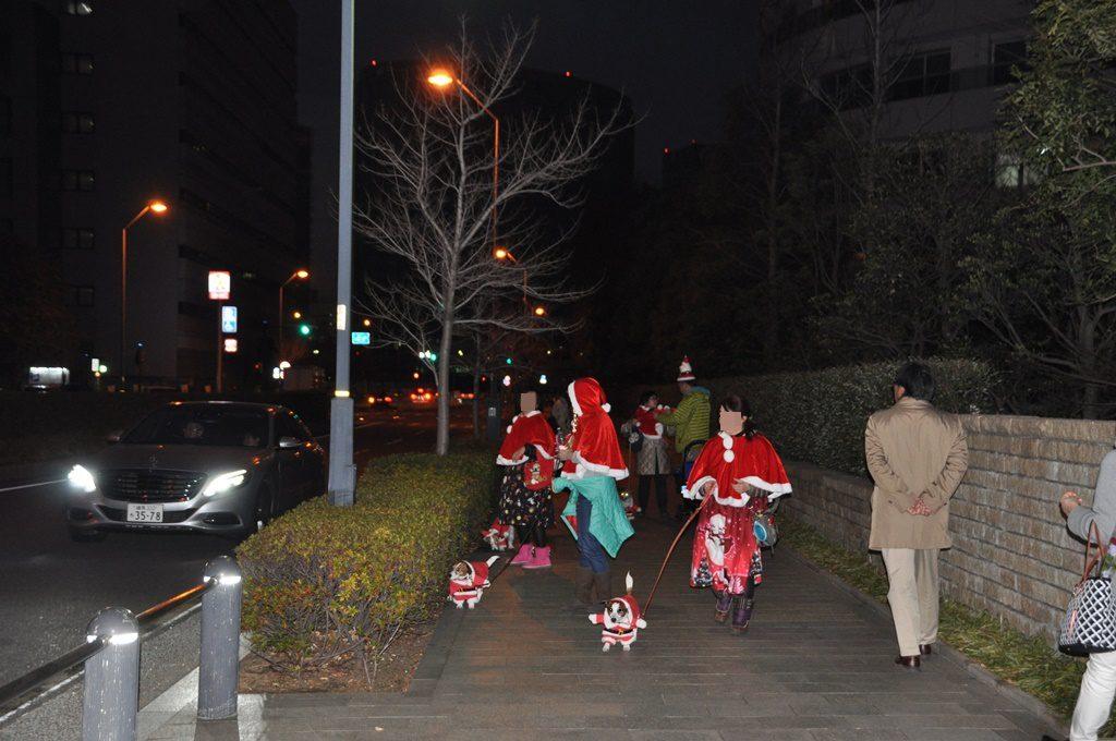 サンタの衣装で出発
