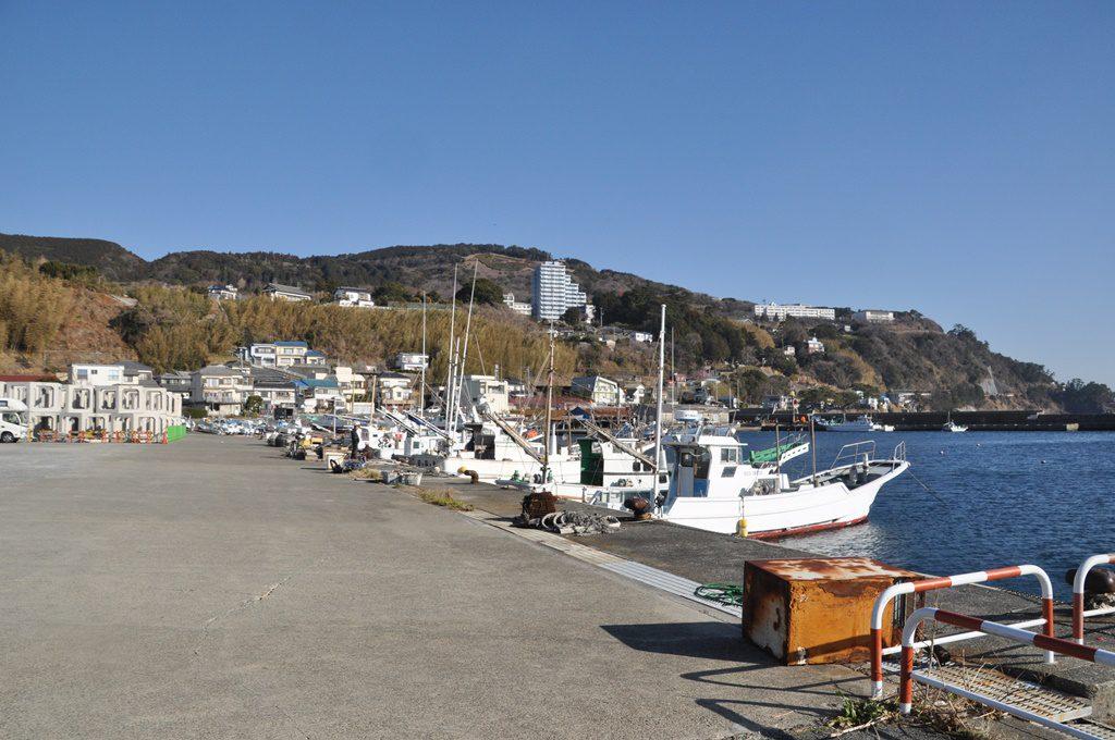 朝市の前の船着き場です。