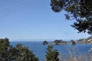「トロンボ」で有名な三四郎島です。