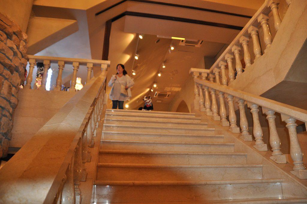 大理石の階段です