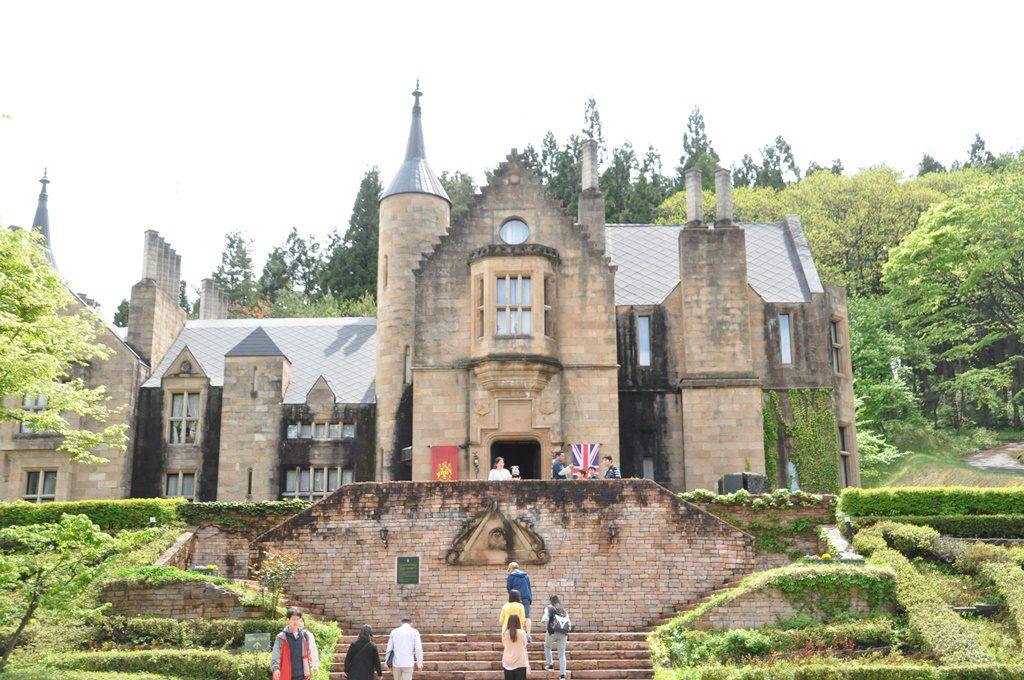 お城の正面全体の画像