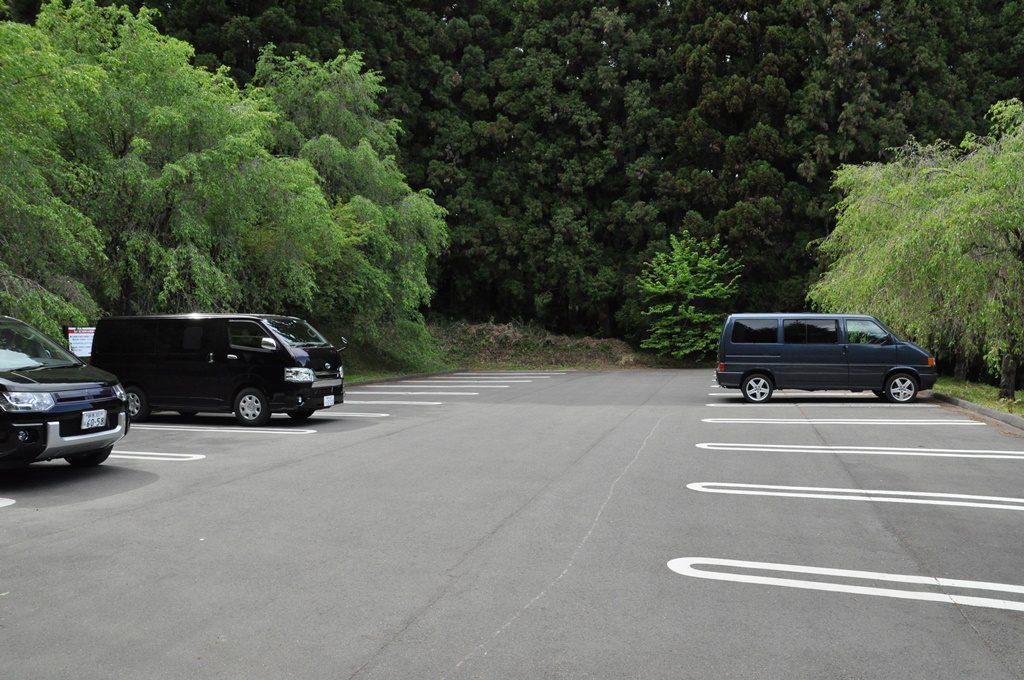 20台くらいの駐車場です。