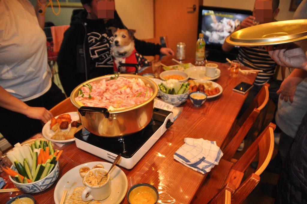 夕食のメインは鍋