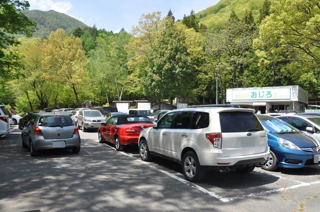 一番奥の駐車場です。