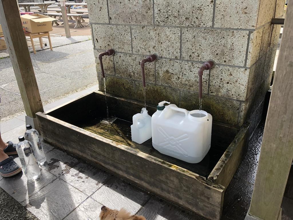 ポリタンクに取水