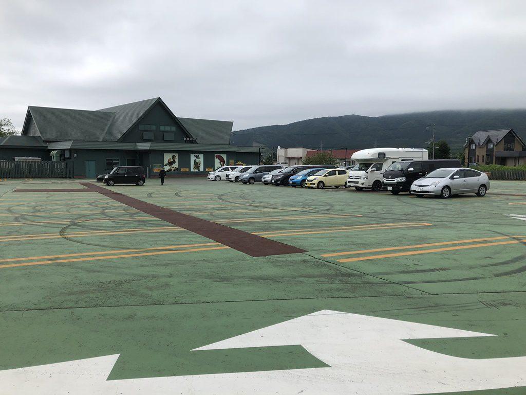 広い駐車場です。