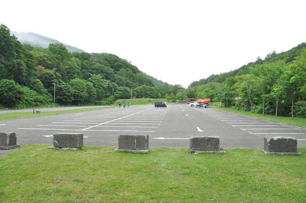 支笏湖第五駐車場です。右側が出艇場所です。