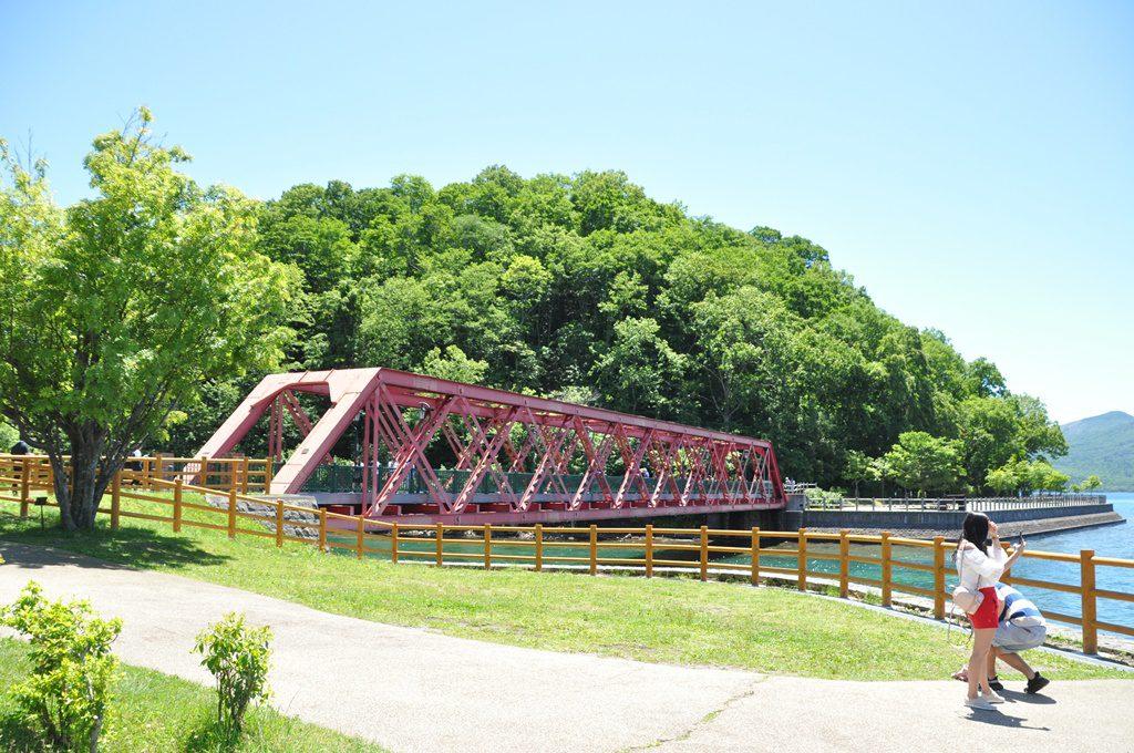 千歳川源流にかかる「山線鉄橋」です。