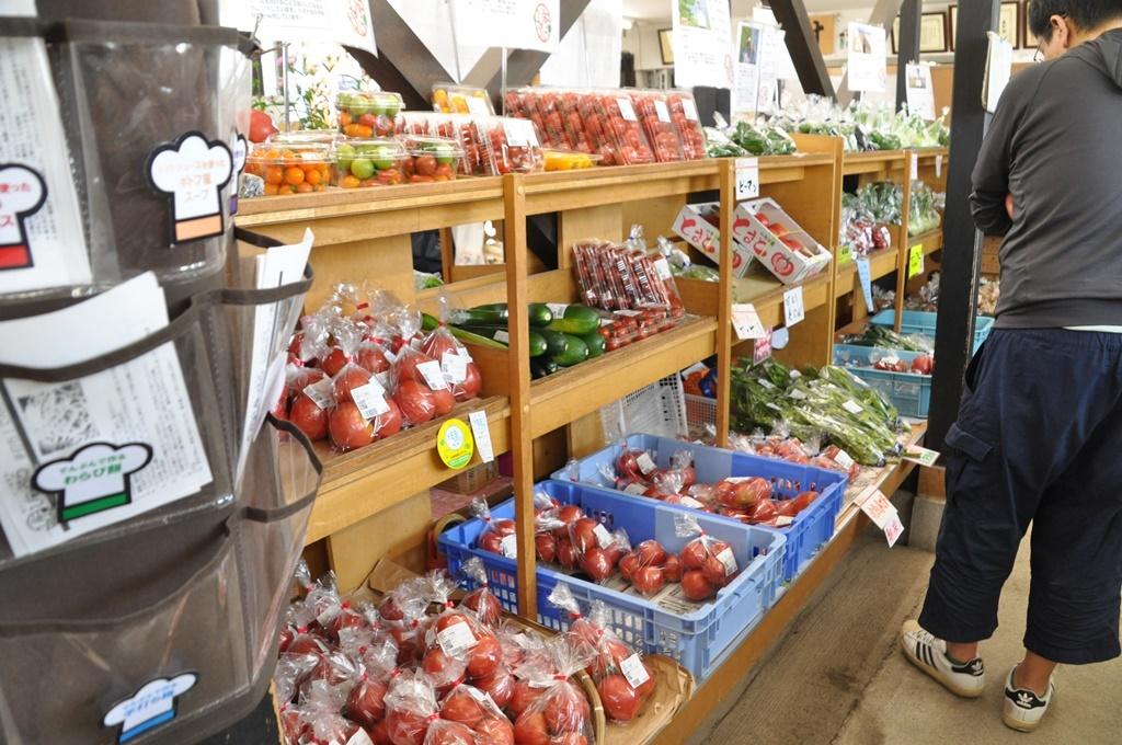 朝どれ野菜が並んでいます。