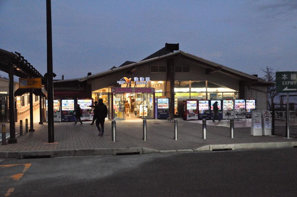 中央道:諏訪湖サービスエリアです。