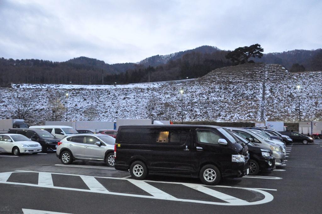 今日は諏訪湖SAで車中泊です。
