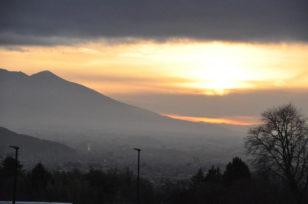 12日(土)の朝は諏訪湖SAで迎えました。