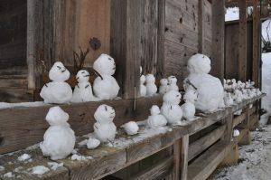 子供たちが作った雪だるま